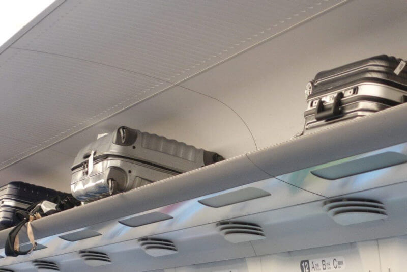 スーツケースを機内持ち込みする際の注意点まとめ